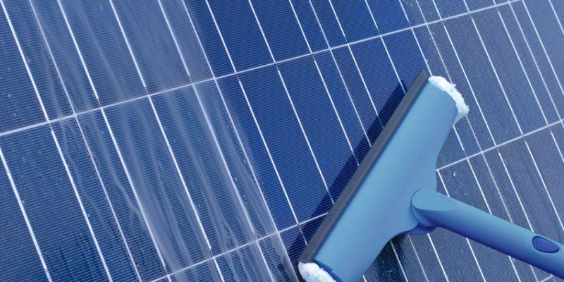 nettoyage-du-panneau-solaire